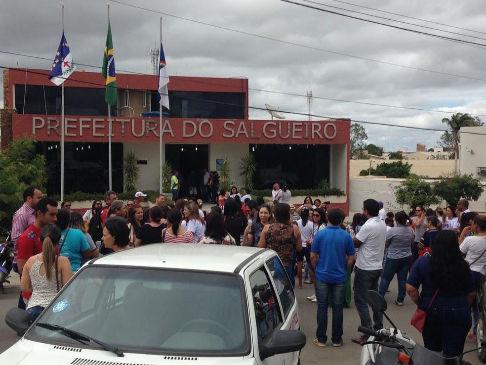 Manifestação Prefeitura de Salgueiro, PE (Foto: Bruno Marreca/ Arquivo pessoal)