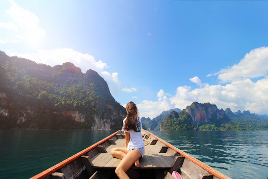 KHAO SOK NATIONALPARK: SLEEPING IN THE FLOATING BUNGALOWS