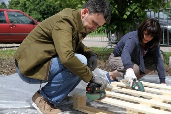 Jak Zrobić Meble Ogrodowe Z Palet Drewnianych Designerski Fotel