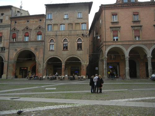 DSCN5007 _ Piazza di Santo Stefano, Bologna, 18 October