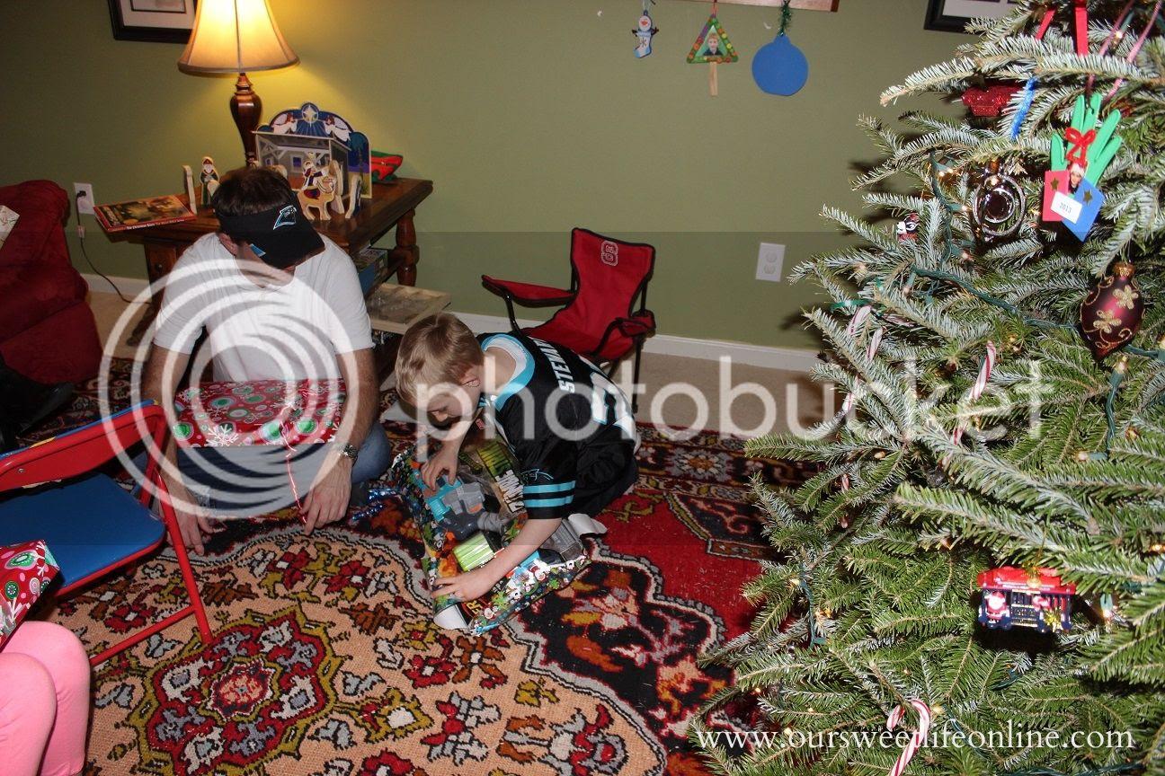 photo Christmas6_zpsb6d835fc.jpg