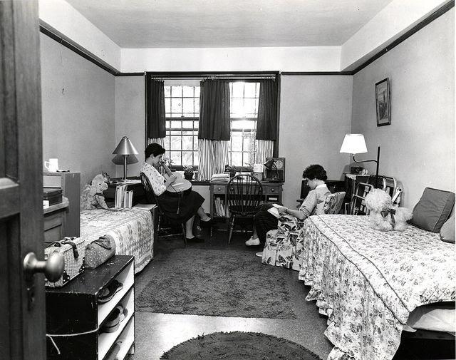 Chronically Vintage Dorm Decor 1950s Style