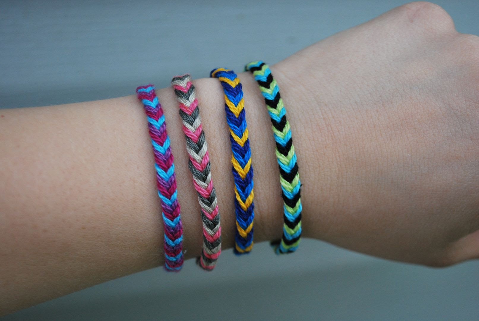 P S When We Say Fastest Friendship Bracelet Ever Are Excluding The Regular Three Strand Braid Obviously That D Be Super Fast But It Just Look Like