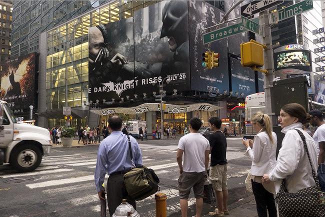 Dark Knight, Times Square