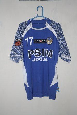 baju bola indonesia: PSIM Jogjakarta 10-11 Liga Ti-phone