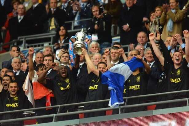 بالفيديو والصور : ويجان اتلتيك يصعق مانشستر سيتي في اخر دقيقة ويتوج بلقب كأس الاتحاد الانجليزي