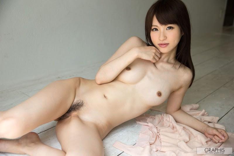 moe-amatsuka-nude-headband-graphis-20