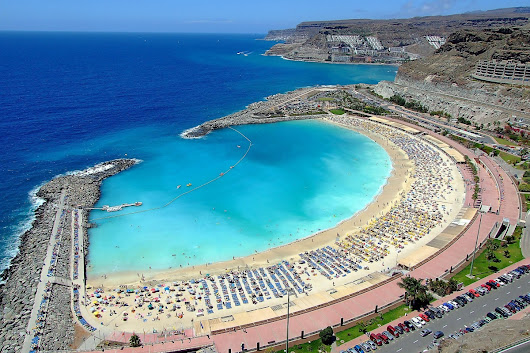 Canary Islands holiday warning as bacteria outbreak leaves tourists at risk of pneumonia, meningitis and