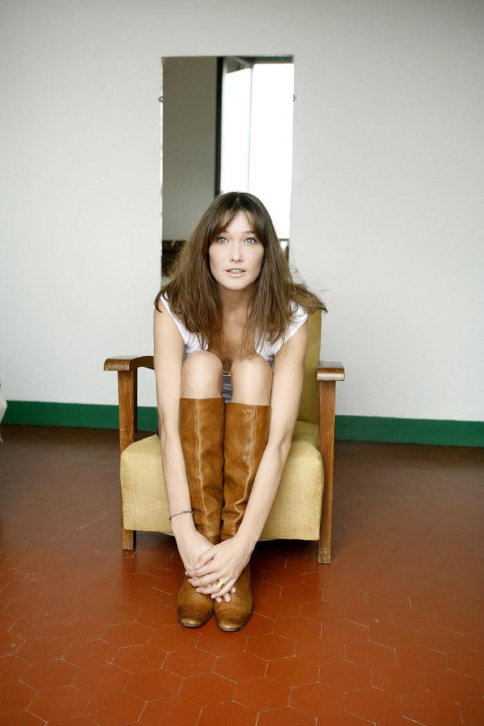 Карла Бруни (Carla Bruni) в фотосессии Клода Гассиана (Claude Gassian) (2006), фото 4