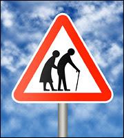 Ασφαλιστικό: Μαύρη τρύπα στους συνταξιούχους! - Τα παράδοξα και η βόμβα των €4 δισ.