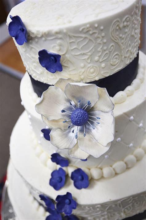Wedding Cake Gum Paste Flower Closeup   CakeCentral.com