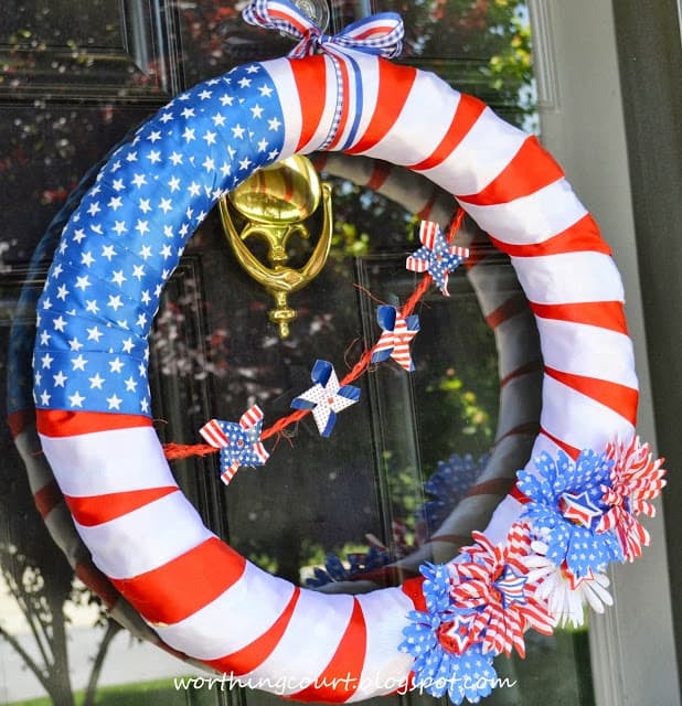 How to make this easy and inexpensive patriotic wreath :: WorthingCourtBlog.com
