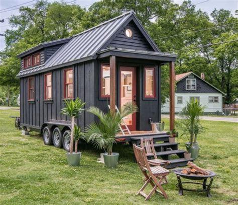 finance  tiny home  canada heres  tiny