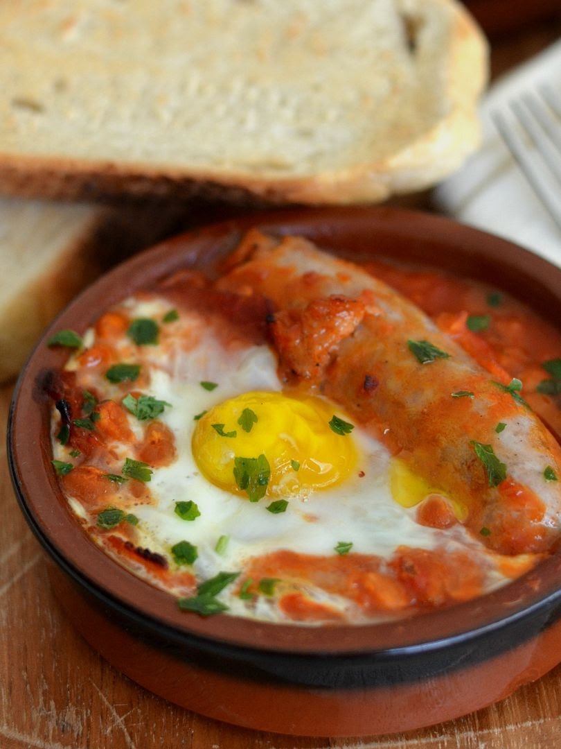 Baked Eggs & Beans - a one dish breakfast