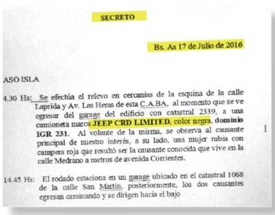 """Secreto. Arriba, uno de los informes del seguimiento sobre Gómez Centurión y """"Cuqui"""" Barreiro Laborda, del 17 de julio."""