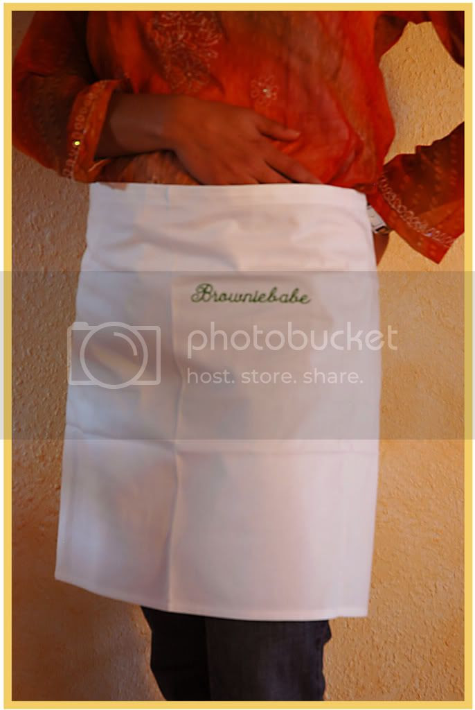 Browniebabe Apron by MeetaA