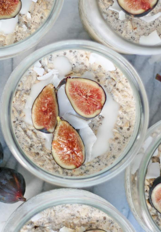 Healthy breakfast idea – overnight oats with chia seeds