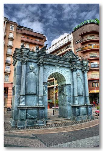 Monumento aos reis São Fernando e São Hermenegildo by VRfoto