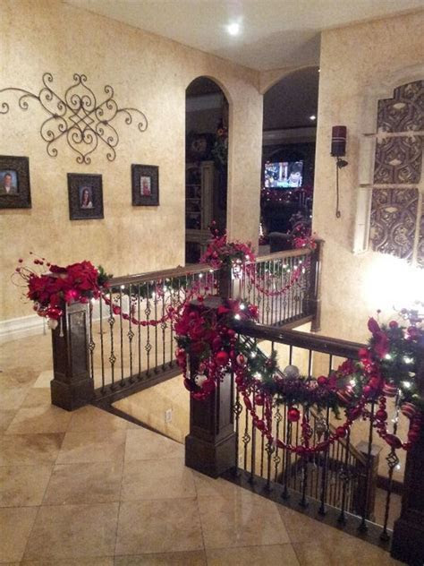 Decorate The Stairs For Christmas ? 30 Beautiful Ideas