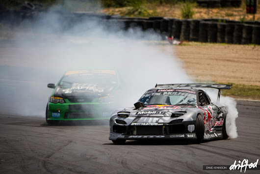 DESKTOP: Mad Mike vs Shane Van Gisbergen | Drifted | International Drifting Coverage