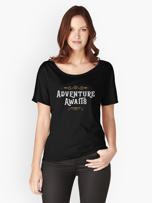 Adventure Awaits - D20 Dice Travel Wanderlust DnD Tabletop RPG Gaming | Women's Relaxed Fit T-Shirt