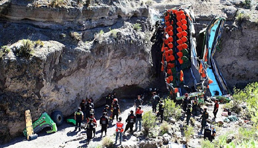 At least 25 dead in Peru as bus plunges over cliff | daily sun