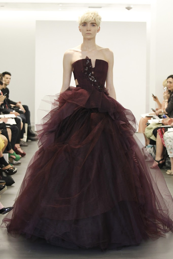 2013 wedding dress trend two tone bridal gowns vera wang maroon ballgown