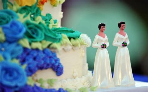 Oregon Bakers Refuse to Pay Damages to Gay Couple   Al