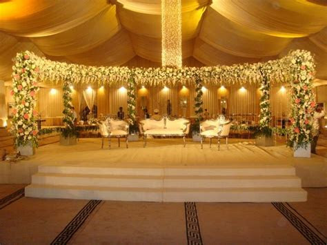 Simple stage decoration with clothes, simple wedding stage