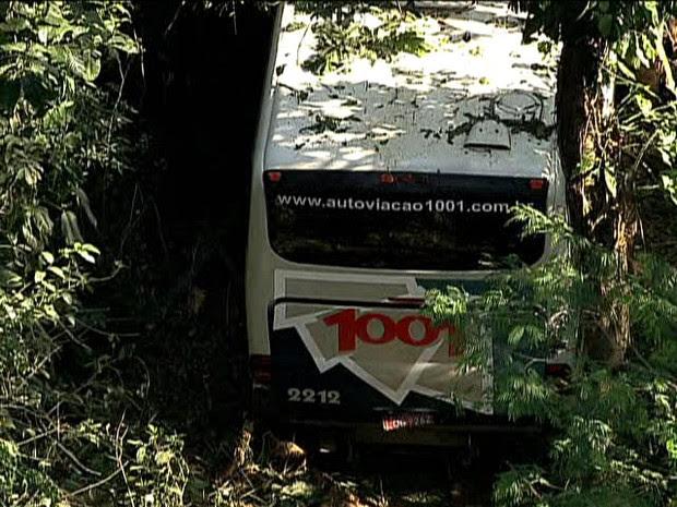 Segundo a assessoria da BR-040, não há indícios de outro veículo envolvido no acidente (Foto: Reprodução / TV Globo)