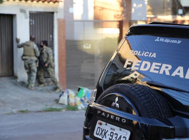 Operação Caixa Forte da Polícia Federal contra o PCC cumpre mandados no RN