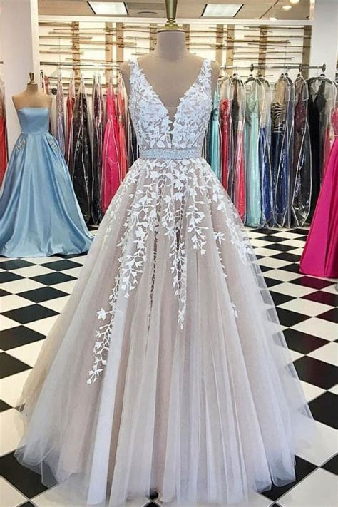 Sexy Appliques V neck Tulle Lace Long Ball Gown Prom Dress