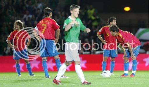 La selección española de fútbol, cumpliendo de nuevo con su función social