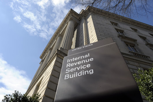IRS supervisor in D.C. admits to overseeing tea party targeting