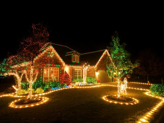 Outdoor Christmas Lighting Tips | DIY Electrical & Wiring How-Tos - Light Fixtures, Ceiling Fans, Safety  | DIY