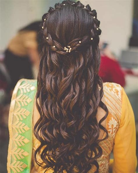 15 Super Pretty Mehendi Hairstyles We Spotted On Real