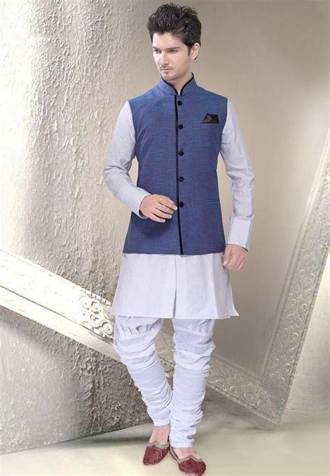type  shoes   wear  white colored kurta