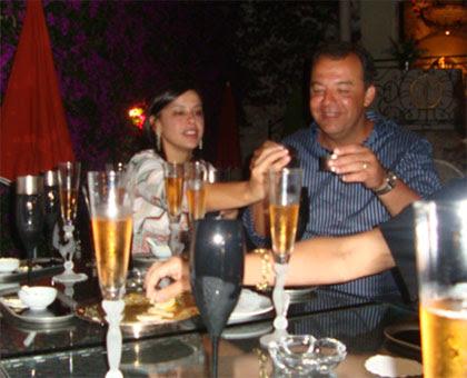 Cabral e Adriana Ancelmo em Monte Carlo: champanhe e iguarias para brindar ao cinismo