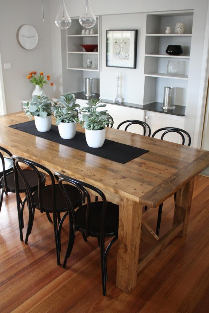 Rustikale Tische sind eine originelle Lösung für das ...