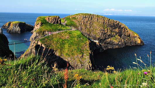 Crossing Carrick-a-Rede Rope Bridge | Ireland Family Vacations