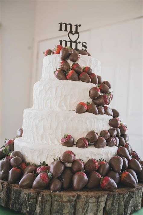 25  best ideas about Fall Wedding Cakes on Pinterest