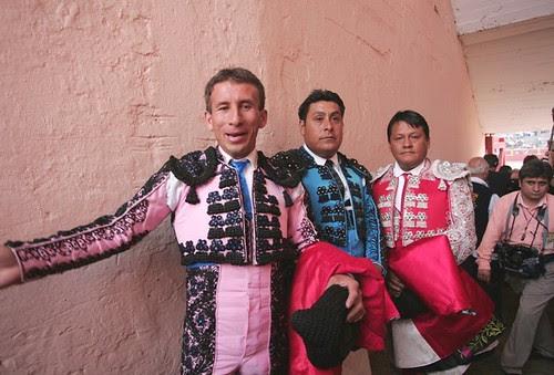 Banderillero Ricardo Ramos 'Loro' y compañeros en Acho