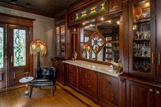 A Secret Bar Adds to the Fun of a Restored Ohio Victorian