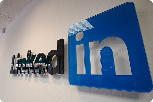LinkedIn in a Nutshell: 10 Things to Do On LinkedIn Besides Look for a Job
