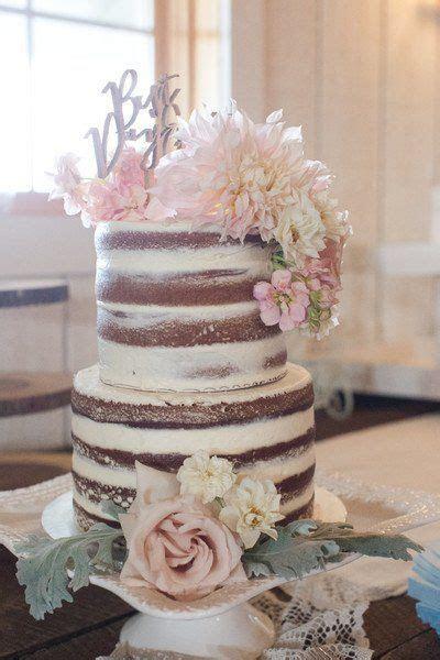Shabby Chic Virginia Barn Wedding   Wedding Cakes
