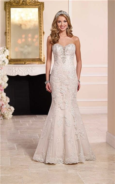 Mermaid Strapless Plunging Sweetheart Neckline Lace
