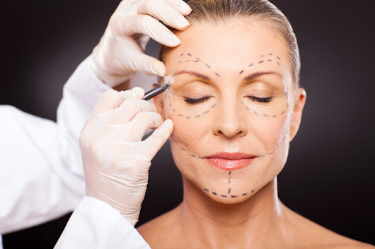 Plastic Surgery Reaches a New Record: The Top 5 Nip-and-Tucks in 2015