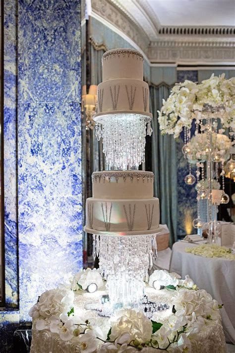 25  best ideas about Luxury Wedding Cake on Pinterest