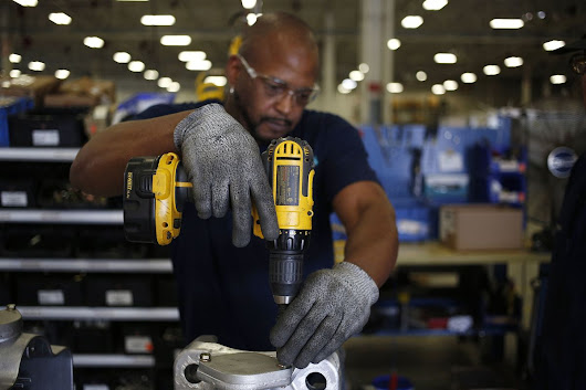 Manufacturing in U.S. Settles In at Solid Pace of Expansion