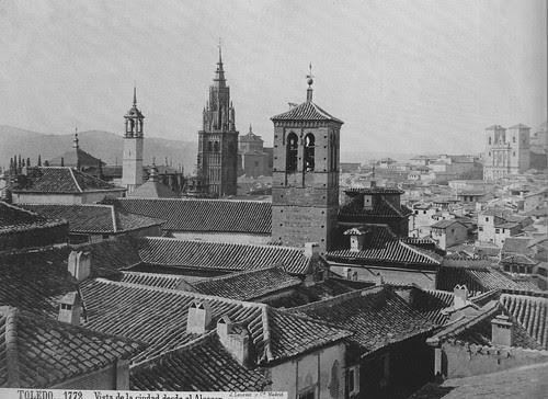 Catedral de Toledo con la torre del reloj hacia 1875 vista desde el Alcázar. Foto de Jean Laurent. The Hispanic Society of America